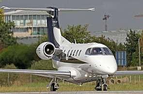 Embraer Phenom 300 beim Start